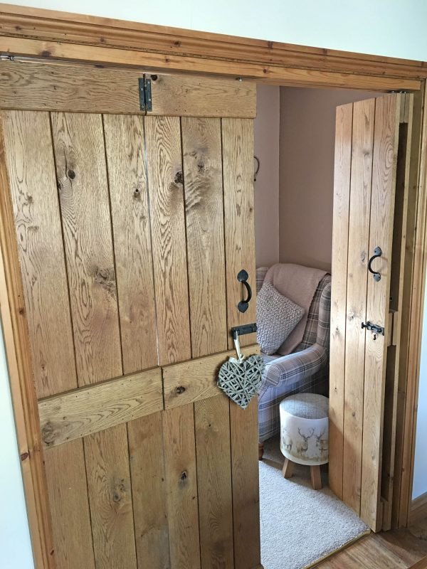 Solid Oak Bifold Ledged Doors