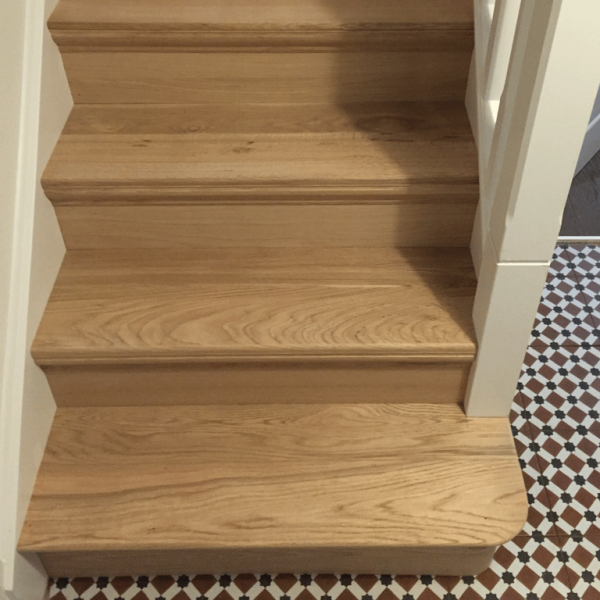 Bullnose bottom step