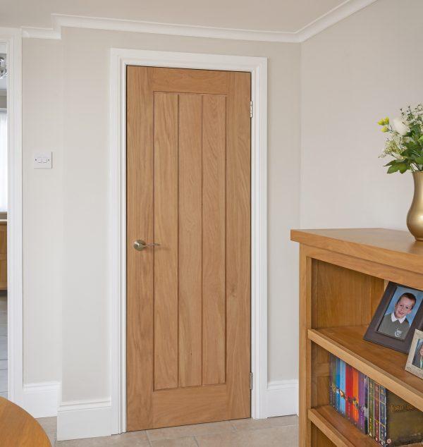 Custom Oak Engineered Mexicano Door